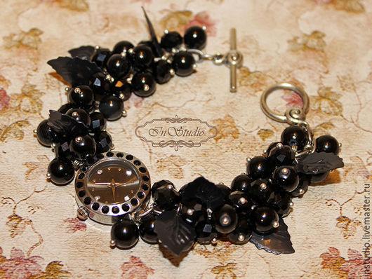 Часы ручной работы. Ярмарка Мастеров - ручная работа. Купить Часы браслет из агата и хрусталя Черная смородина. Handmade. Черный