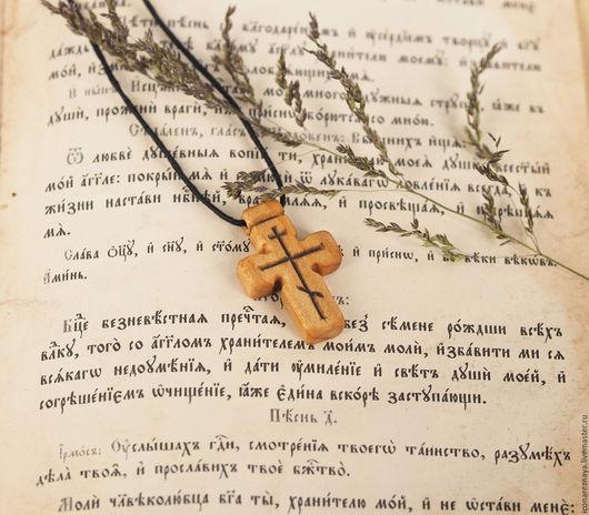`Титло` - деревянный нательный крест из кипариса. Крест деревянный. Крест из дерева. Крест резной. Крест без распятия. Кипарис.