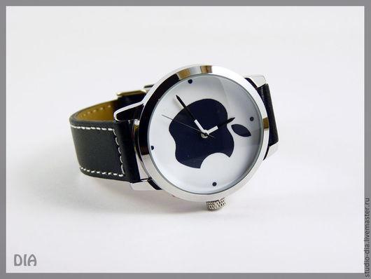 Часы. Наручные Часы. Оригинальные Дизайнерские Часы Apple (На Белом). Студия Дизайнерских Часов DIA.
