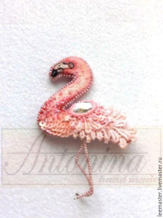 """Броши ручной работы. Ярмарка Мастеров - ручная работа. Купить брошь """"Фламинго"""". Handmade. Розовый, Вышивка гладью, фламинго"""