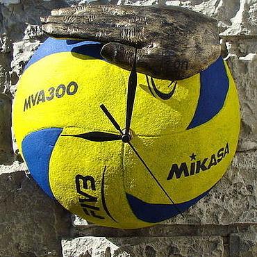 """Для дома и интерьера ручной работы. Ярмарка Мастеров - ручная работа Часы """"Волейбол"""". Handmade."""
