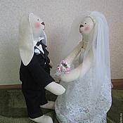 Куклы и игрушки ручной работы. Ярмарка Мастеров - ручная работа Свадебные Зайцы (большие). Handmade.
