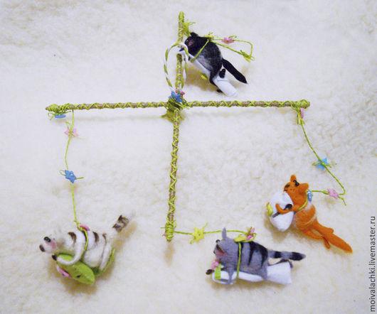 """Подвески ручной работы. Ярмарка Мастеров - ручная работа. Купить Мобиль """"Озорные котята"""". Handmade. Мобиль, любителю кошек"""