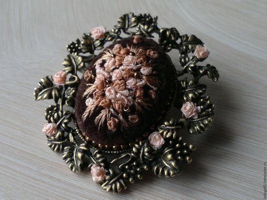 """Броши ручной работы. Ярмарка Мастеров - ручная работа. Купить Брошь """"Вечерний сад!. Handmade. Комбинированный, персиковые розы, шёлк"""