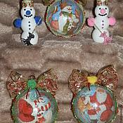 """Подарки к праздникам ручной работы. Ярмарка Мастеров - ручная работа """"Помощники Деда Мороза""""  набор елочных шаров. Handmade."""