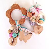 Куклы и игрушки ручной работы. Ярмарка Мастеров - ручная работа Буковый грызунок Цветочек с подвесками - погремушками. Handmade.
