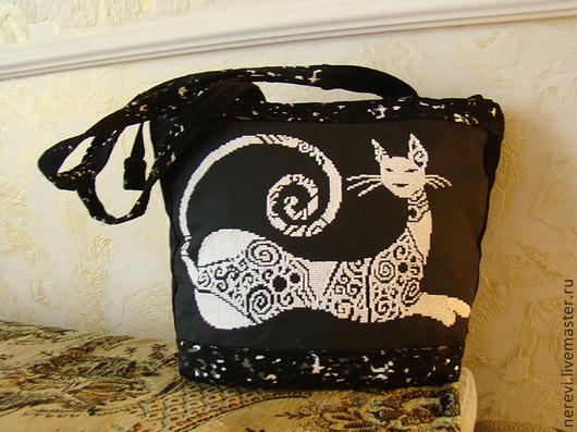 """Женские сумки ручной работы. Ярмарка Мастеров - ручная работа. Купить черно-белая велюровая сумка """"Гламурная кошка"""""""". Handmade."""