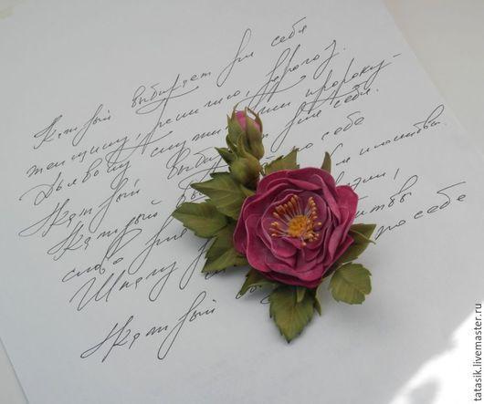 Броши ручной работы. Ярмарка Мастеров - ручная работа. Купить Дикая роза брошь. Handmade. Шиповник, брошь из фоамирана
