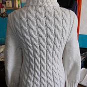 Одежда ручной работы. Ярмарка Мастеров - ручная работа Белый свитер с косами. Handmade.