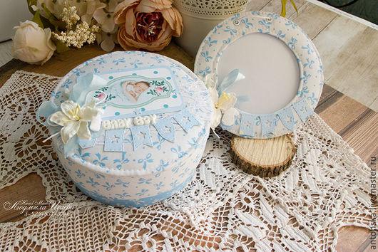 Подарки для новорожденных, ручной работы. Ярмарка Мастеров - ручная работа. Купить Мамины сокровища круглые + рамка. Handmade. Голубой