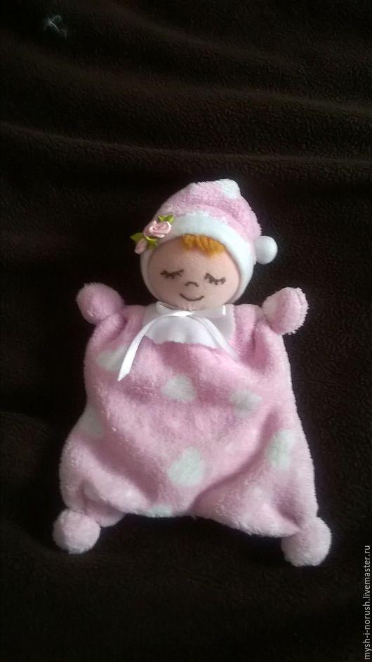 Кукла станет первой игрушкой и первой  подружкой  вашему ребенку,. С ней приятно обниматься,уютно и   тепло засыпать.
