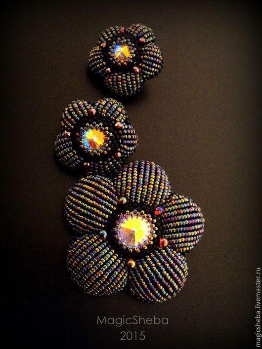 """Комплекты украшений ручной работы. Ярмарка Мастеров - ручная работа. Купить Серьги и брошь """"В сумерках"""", черно-радужный цветок (по мотивам). Handmade."""
