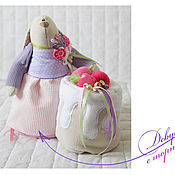 Куклы и игрушки ручной работы. Ярмарка Мастеров - ручная работа Зайцы. Зайка с тортиком. Handmade.