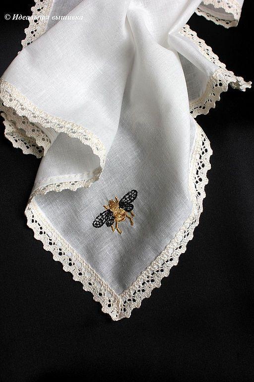 """Носовые платочки ручной работы. Ярмарка Мастеров - ручная работа. Купить Платочек кружевной """"Пчелка"""". Handmade. Чёрно-белый, шмель"""