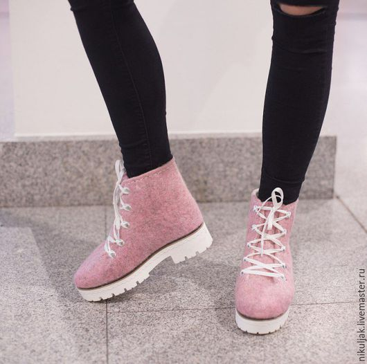 Обувь ручной работы. Ярмарка Мастеров - ручная работа. Купить Валяная обувь  Розовые ботинки. Handmade. Розовый, Валяные ботинки
