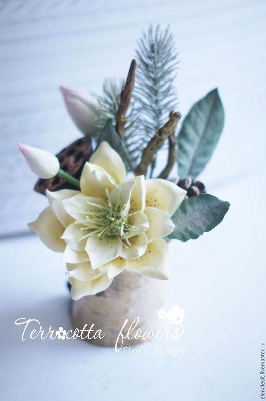 Новогодняя композиция с морозником из полимерной глины. Terracotta flowers.