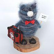 Куклы и игрушки ручной работы. Ярмарка Мастеров - ручная работа Кот Люк путешественник (коты,  вязаная игрушка, подарок). Handmade.
