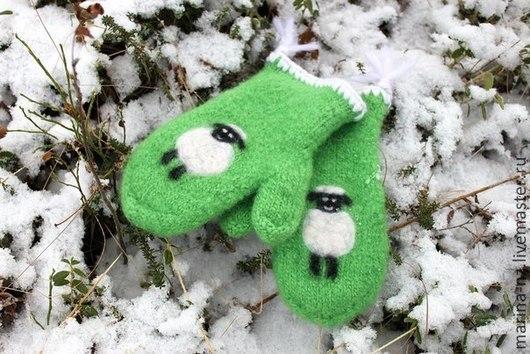 Варежки, митенки, перчатки ручной работы. Ярмарка Мастеров - ручная работа. Купить Варежки. Handmade. Зеленый, подарок девушке, овечка