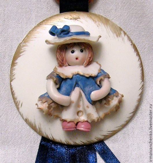 Детская ручной работы. Ярмарка Мастеров - ручная работа. Купить Фарфоровый медальон - подарок для новорожденной девочки.. Handmade. Разноцветный, для девочки