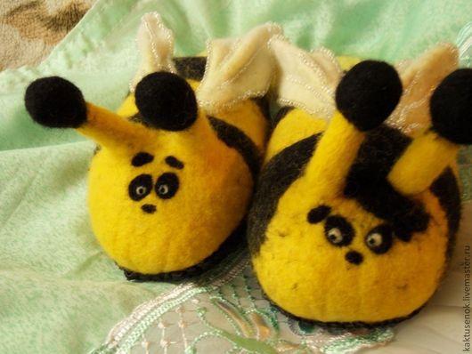 """Обувь ручной работы. Ярмарка Мастеров - ручная работа. Купить Войлочные тапочки """"Жу-жу"""". Handmade. Желтый, тапочки валяные"""