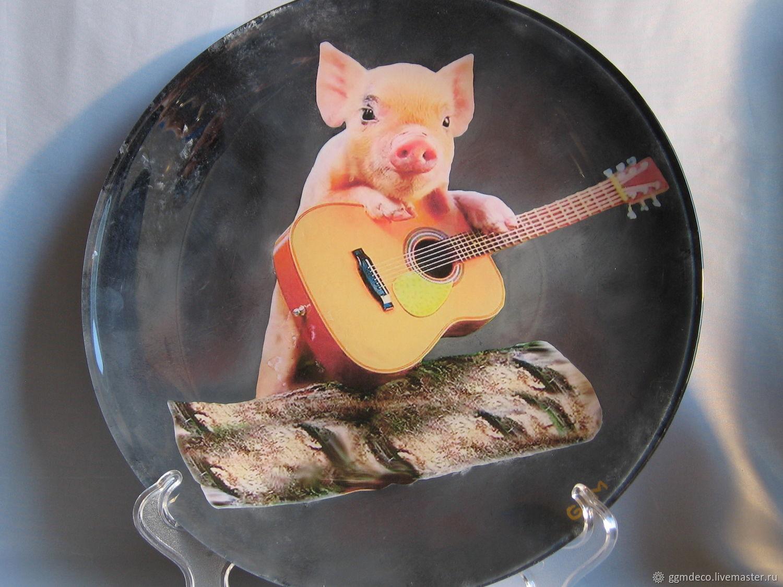 Декоративная посуда ручной работы. Ярмарка Мастеров - ручная работа. Купить Декоративная тарелка Свинья с гитарой 3. Handmade. Гитара
