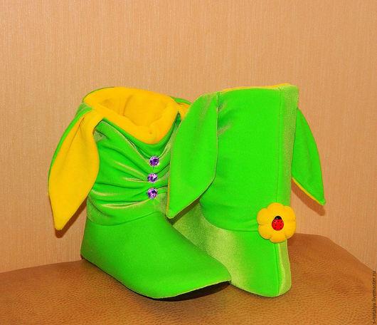 Обувь ручной работы. Ярмарка Мастеров - ручная работа. Купить Тапочки зайчики со стразами. Handmade. Салатовый, бархат