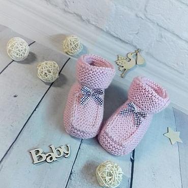 Работы для детей, ручной работы. Ярмарка Мастеров - ручная работа Розовые пинетки с бантиком для новорожденных. Handmade.