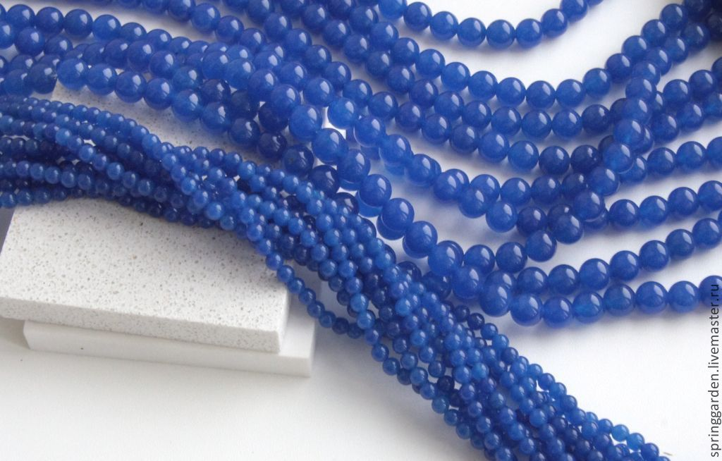 синий нефрит фото