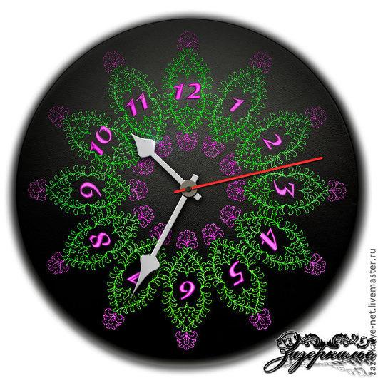 """Часы для дома ручной работы. Ярмарка Мастеров - ручная работа. Купить Часы из нат. кожи с вышивкой """"Эсмеральда"""". Handmade."""