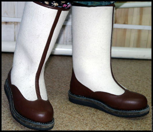 Обувь ручной работы. Ярмарка Мастеров - ручная работа. Купить Сапоги войлочные (бурки). Handmade. Коричневый, обувь зимняя, тепло