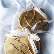 Подарки к праздникам ручной работы. Ярмарка Мастеров - ручная работа Медаль текстильная для праздника.. Handmade.