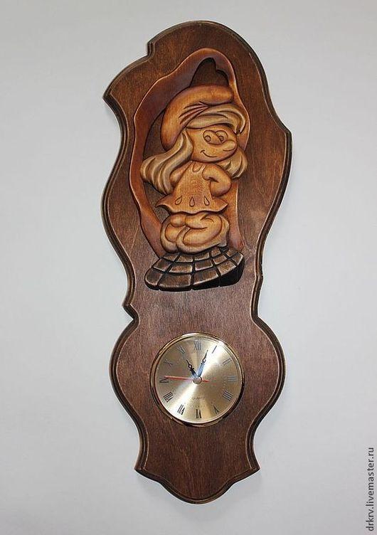 """Часы для дома ручной работы. Ярмарка Мастеров - ручная работа. Купить Часы """"Смурфетта"""". Handmade. Часы из дерева, ручная работа"""