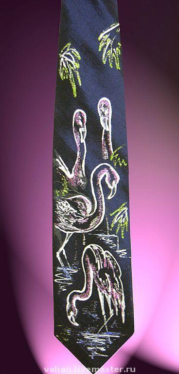 Галстук-талисман «Фламинго»\r\nФламинго приносит славу и признание в обществе. Притягивает удачу и успех.