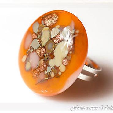 Украшения ручной работы. Ярмарка Мастеров - ручная работа Кольцо из стекла - Оранжевый мир - фьюзинг. Handmade.