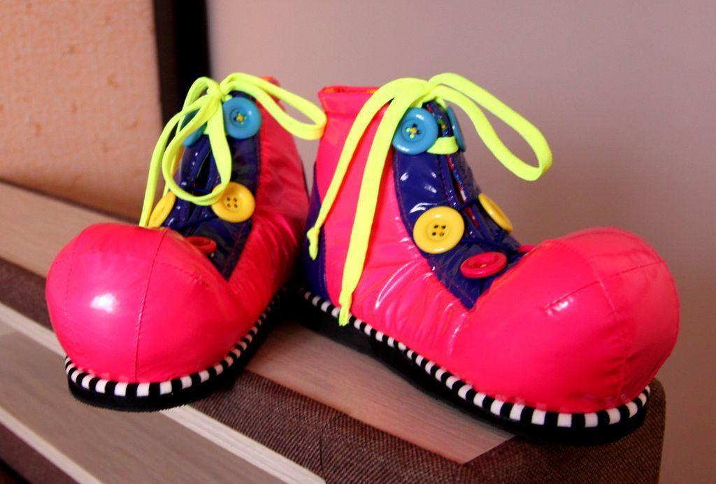 62Как сделать своими руками обувь для клоуна