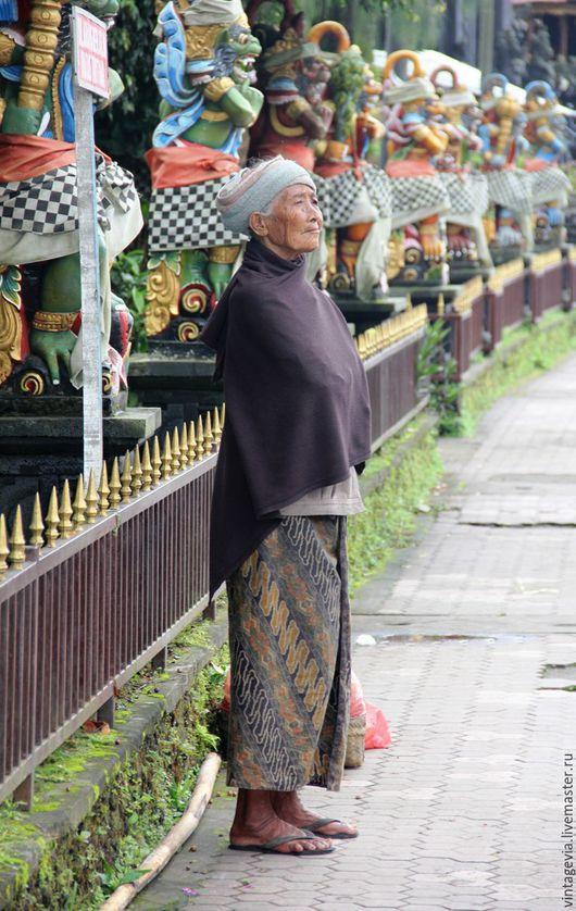 Vintage Via. Фоторабота `Среди божеств`, авторская фотография, Бали, 2014 г.
