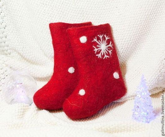 Обувь ручной работы. Ярмарка Мастеров - ручная работа. Купить Детские синие и красные валенки со снежинками.. Handmade. Синий