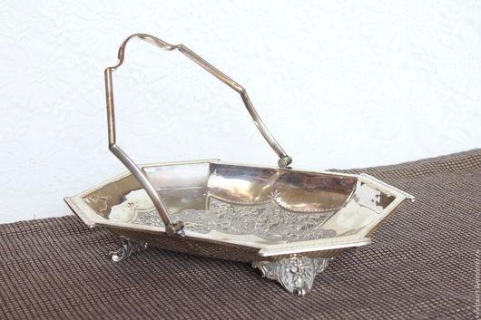 Винтажная посуда. Ярмарка Мастеров - ручная работа. Купить Фруктовница или ваза для фруктов с ручкой винтаж. Handmade. Серебряный, чеканка
