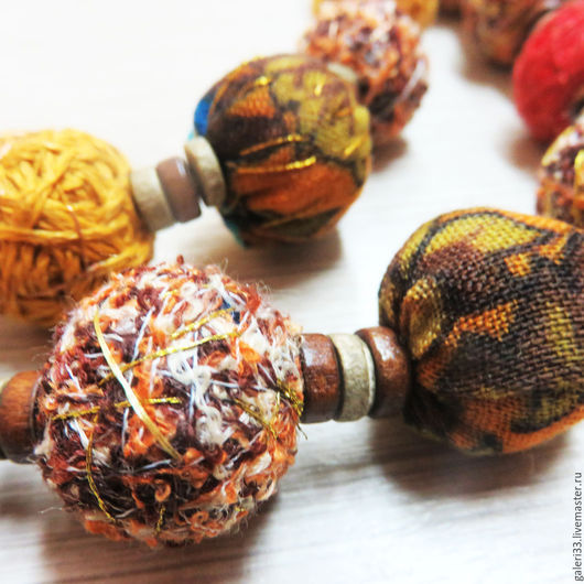 Колье, бусы ручной работы. Ярмарка Мастеров - ручная работа. Купить Текстильные бусы.. Handmade. Рыжий, деревянные бусины