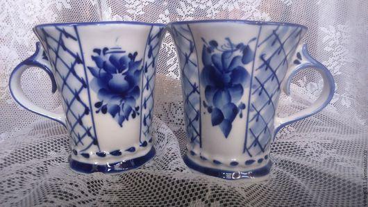 ...авторские  чайные бокалы из знаменитого Гжельского фарфора... ...благодаря рисунку `сеточка`, выглядят воздушно и легко)))
