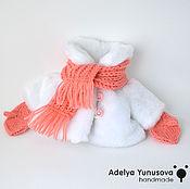 Куклы и игрушки ручной работы. Ярмарка Мастеров - ручная работа шубка, шарф и рукавички для кукол. Handmade.