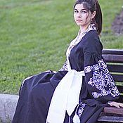 Одежда ручной работы. Ярмарка Мастеров - ручная работа Льняное бохо макси платье с длинным рукавом с этнической вышивк. Handmade.