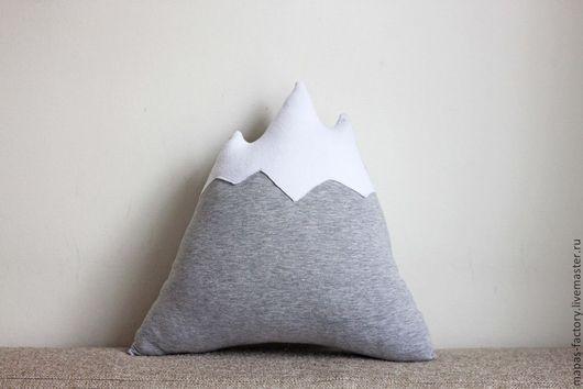 Подушка «Снежная вершина»