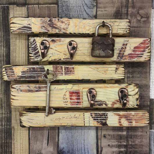 Винтажная ключница из дерева
