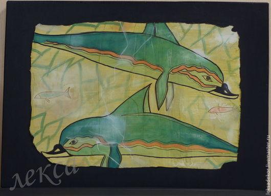 Стильное настенное панно -`дельфины`. Декоративное панно - фрагмент древнегреческой фрески для тематического и стильного интерьера. Искусственно состаренное панно в гостиную. необычный подарок на любо