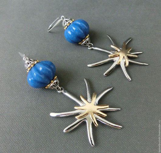 Серьги `Звезды`, резной нефрит, позолота, морской стиль - ручная работа Kamnibusinki.