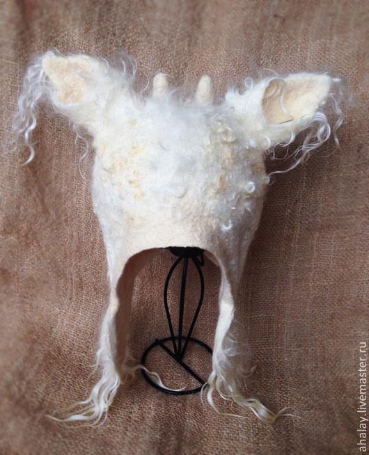 """Шапки ручной работы. Ярмарка Мастеров - ручная работа. Купить Шапка валяная с ушами белая  """"Год козы"""". Handmade."""