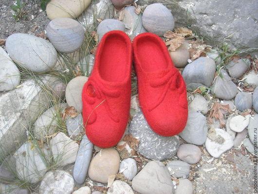 """Обувь ручной работы. Ярмарка Мастеров - ручная работа. Купить Валяные тапочки """" Аленький цветочек"""". Handmade. Ярко-красный"""