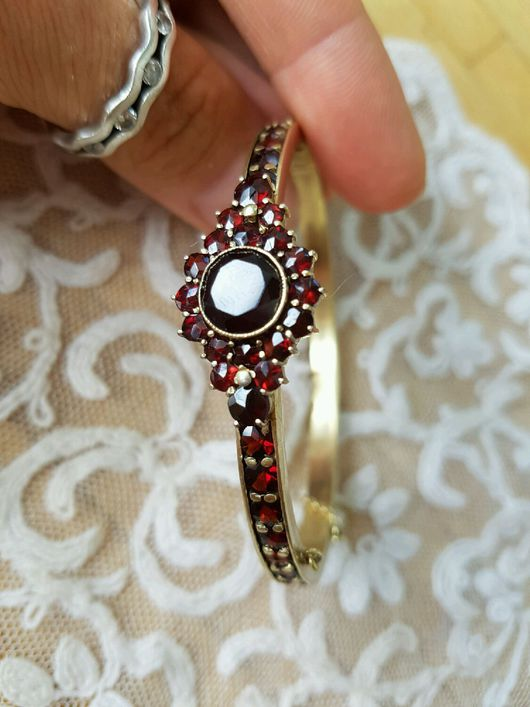 """Винтажные украшения. Ярмарка Мастеров - ручная работа. Купить Восхитительный винтажный браслет """"цветок"""". Handmade. Бордовый, браслет из томпака, антиквариат"""