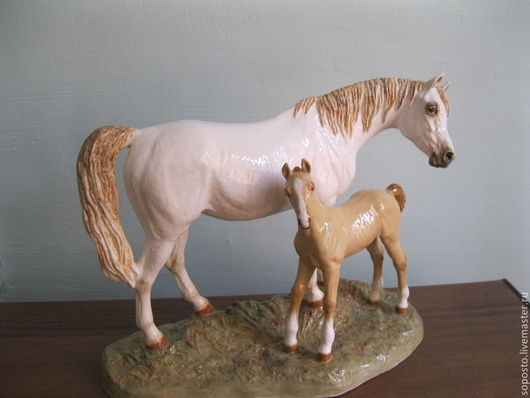 Статуэтки ручной работы. Ярмарка Мастеров - ручная работа. Купить Арабская кобыла с жеребёнком. Handmade. Скульптура, статуэтка, арабские лошади